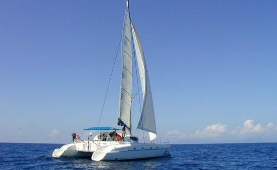 Choosing Between Different Charter Catamarans - Types and Brands